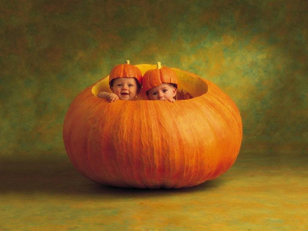 Artistic Wallpaper: Anne Geddes - Halloween