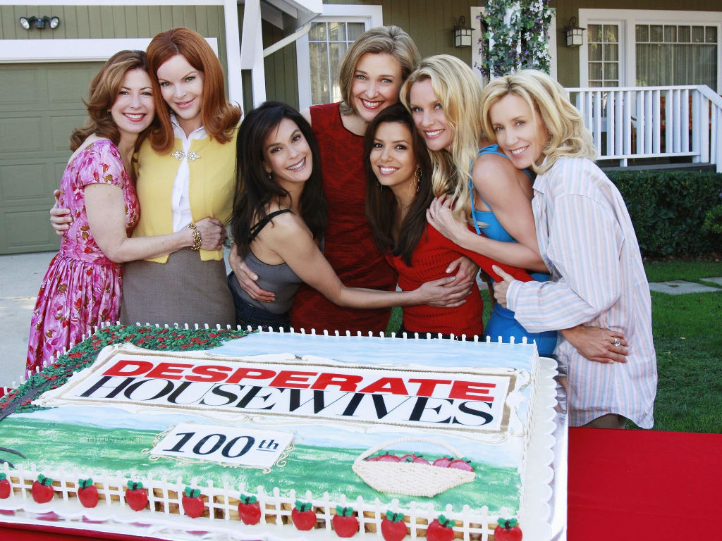 Movies Wallpaper: Desperate Housewives - Episode 100