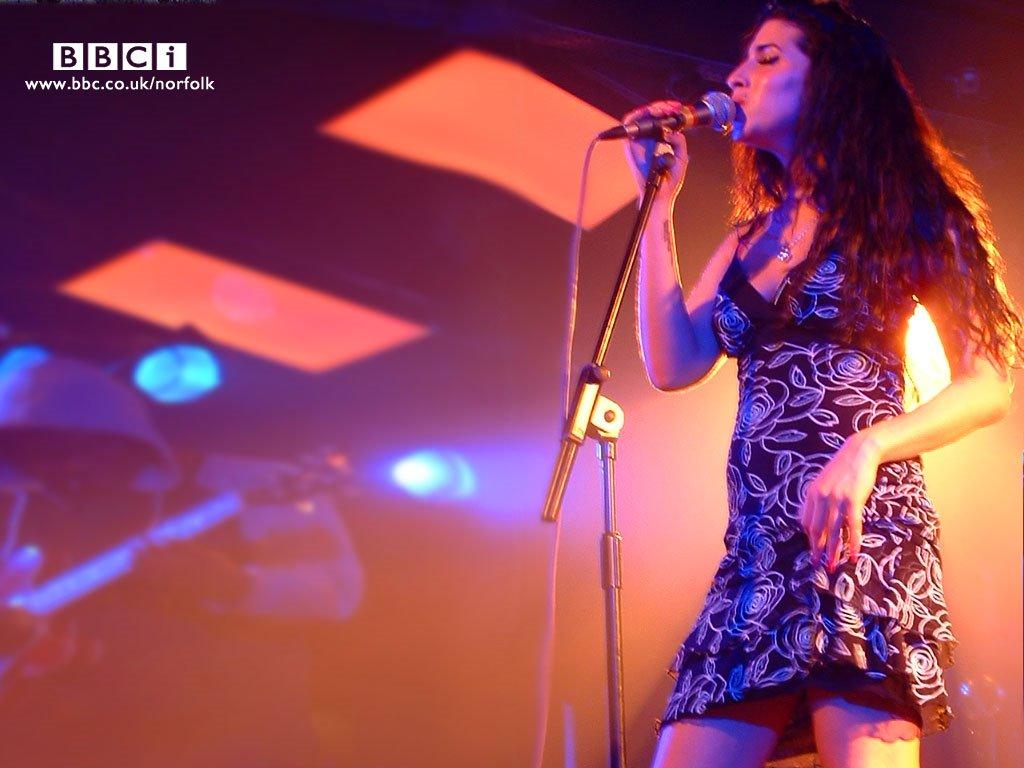 Music Wallpaper: Amy Winehouse - Live