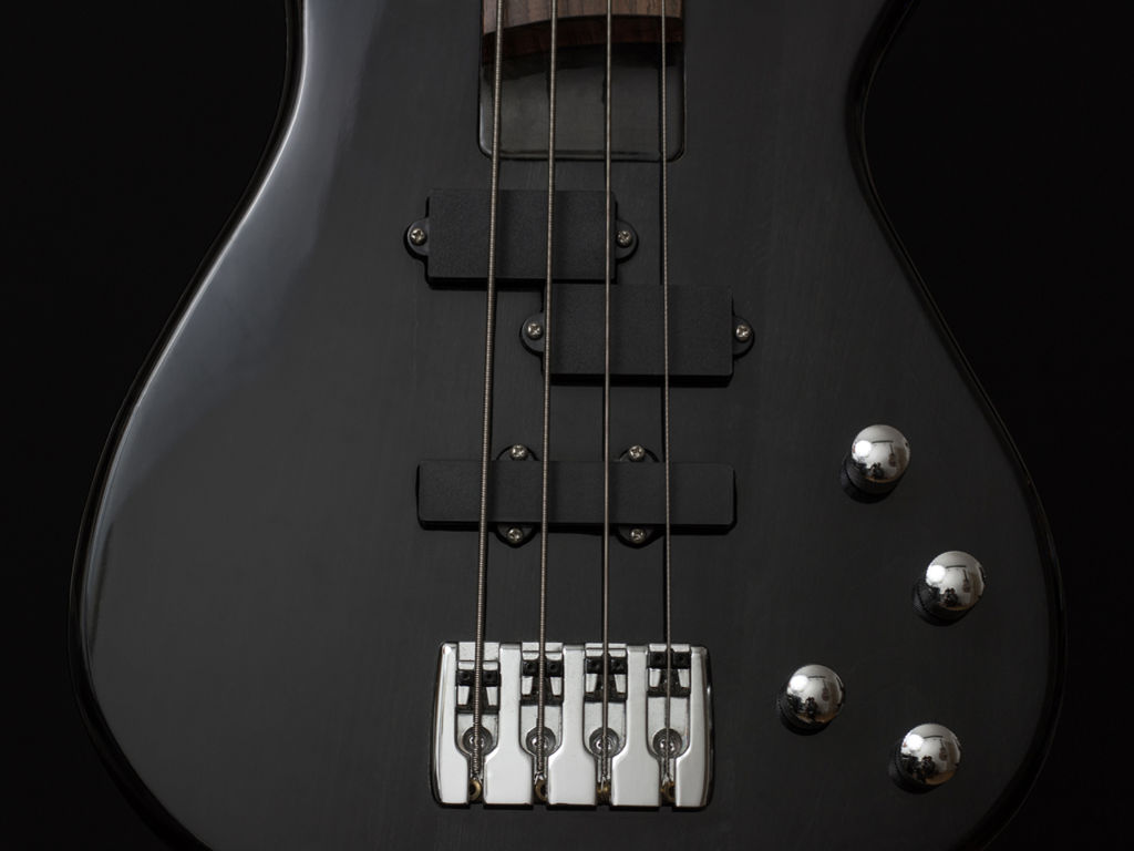 Music Wallpaper: Black Bass