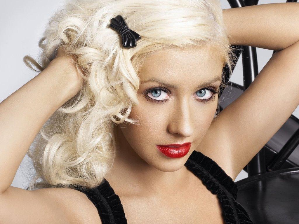 Music Wallpaper: Christina Aguilera