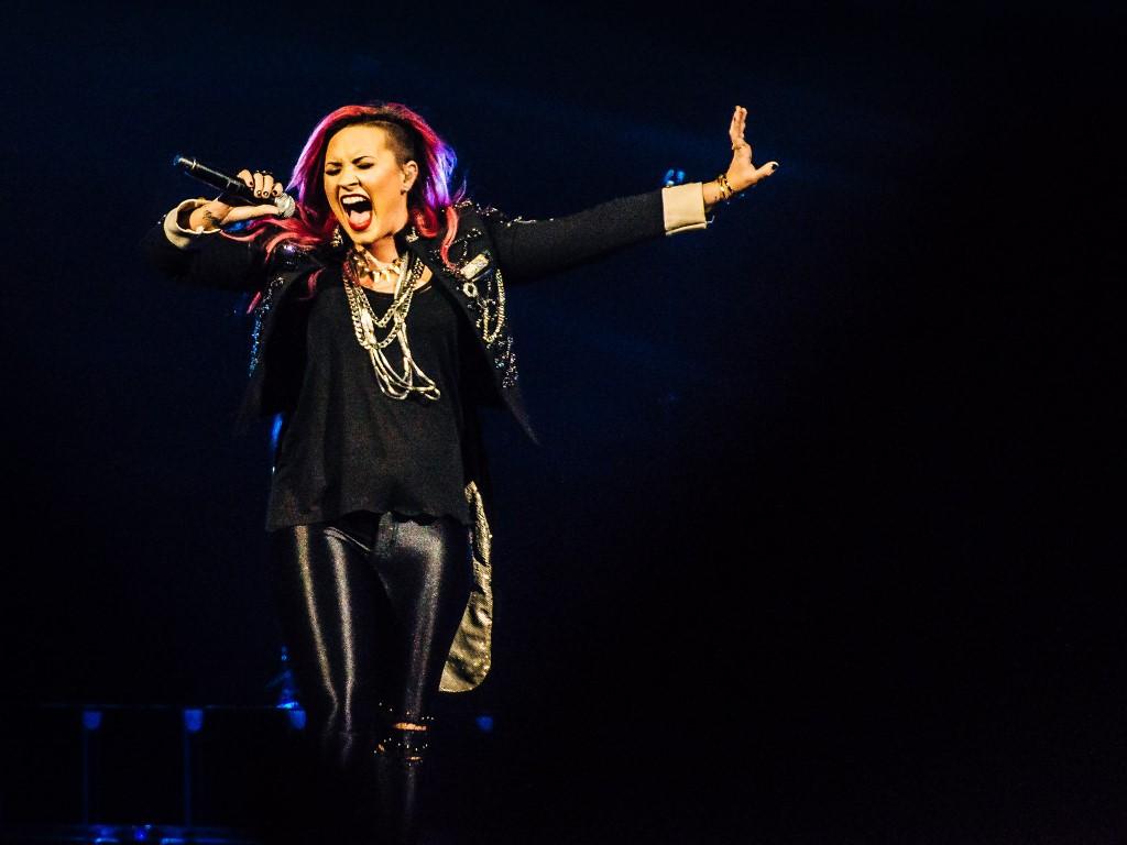 Music Wallpaper: Demi Lovato - Live in Indianapolis 2014