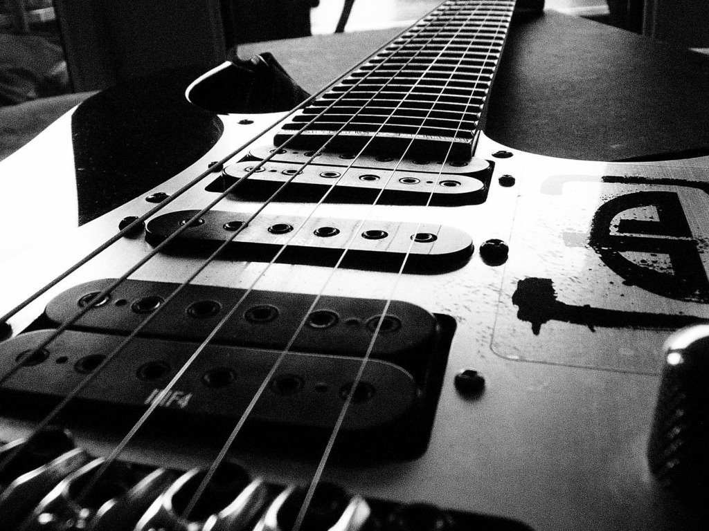 Music Wallpaper: Guitar - Black and White