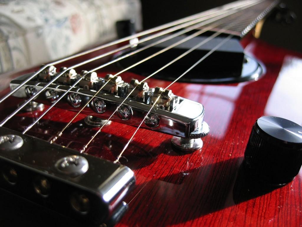 Music Wallpaper: Guitar Strings