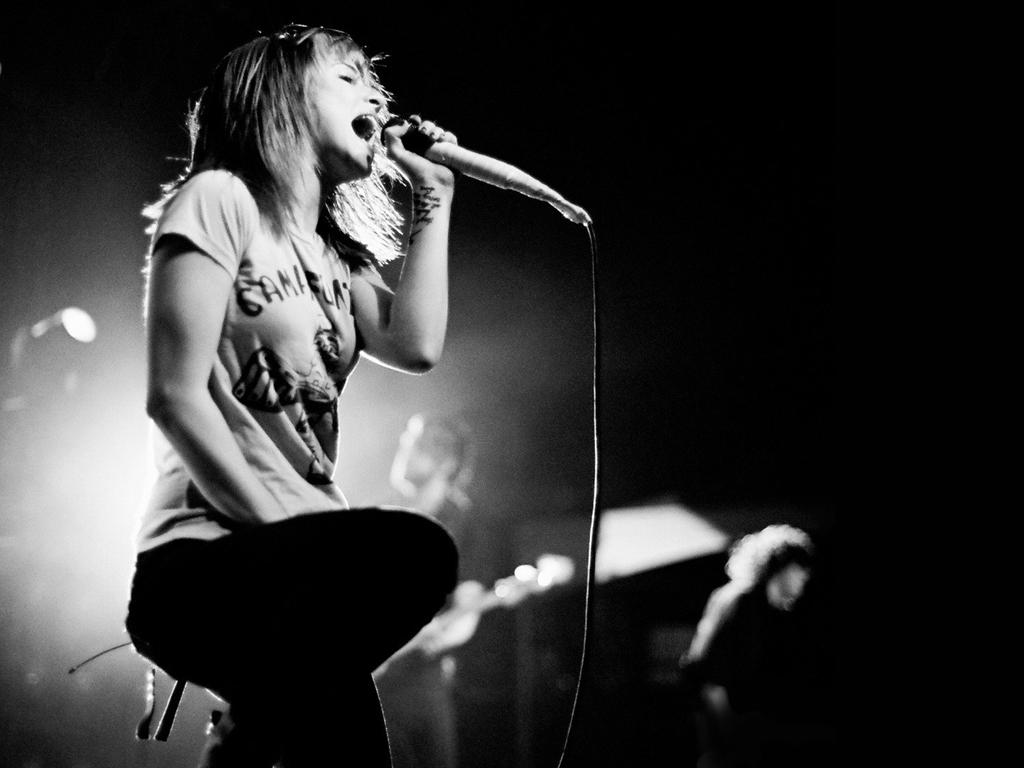 Music Wallpaper: Hayley Williams - Live