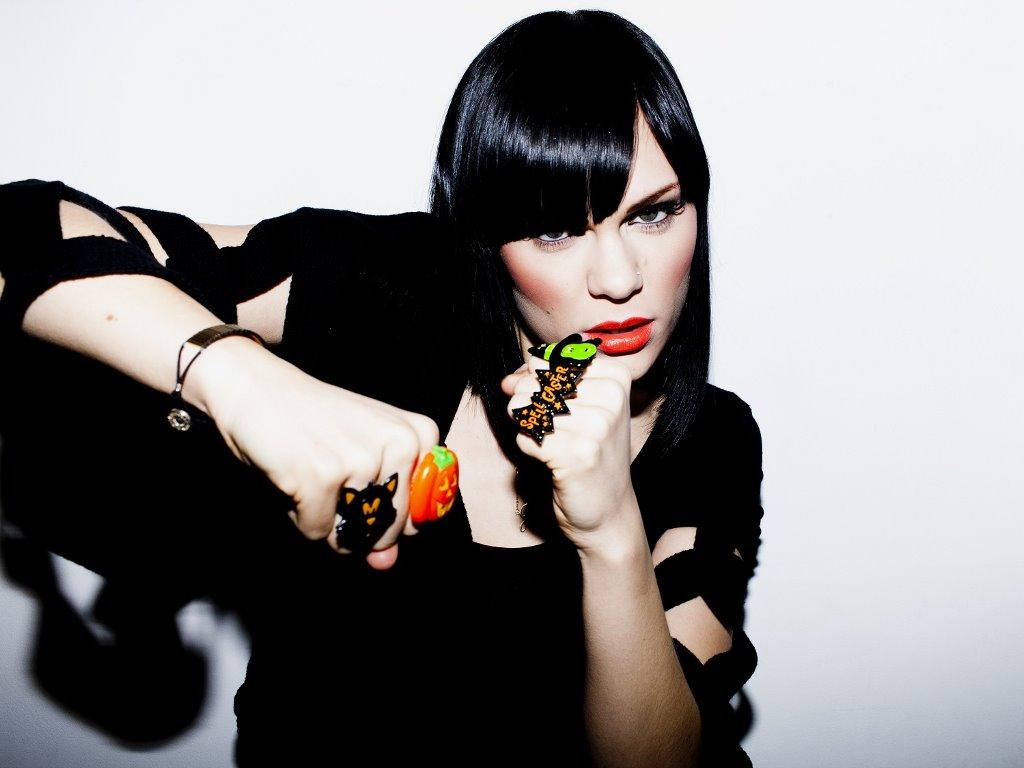 Music Wallpaper: Jessie J