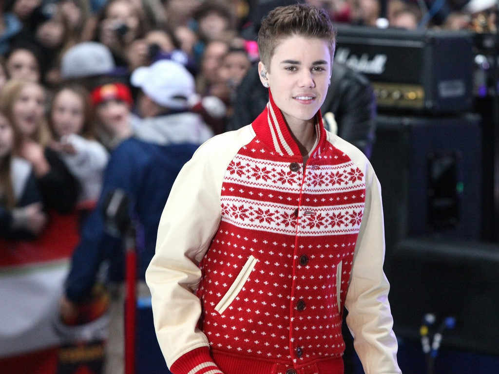 Music Wallpaper: Justin Bieber - Christmas Concert