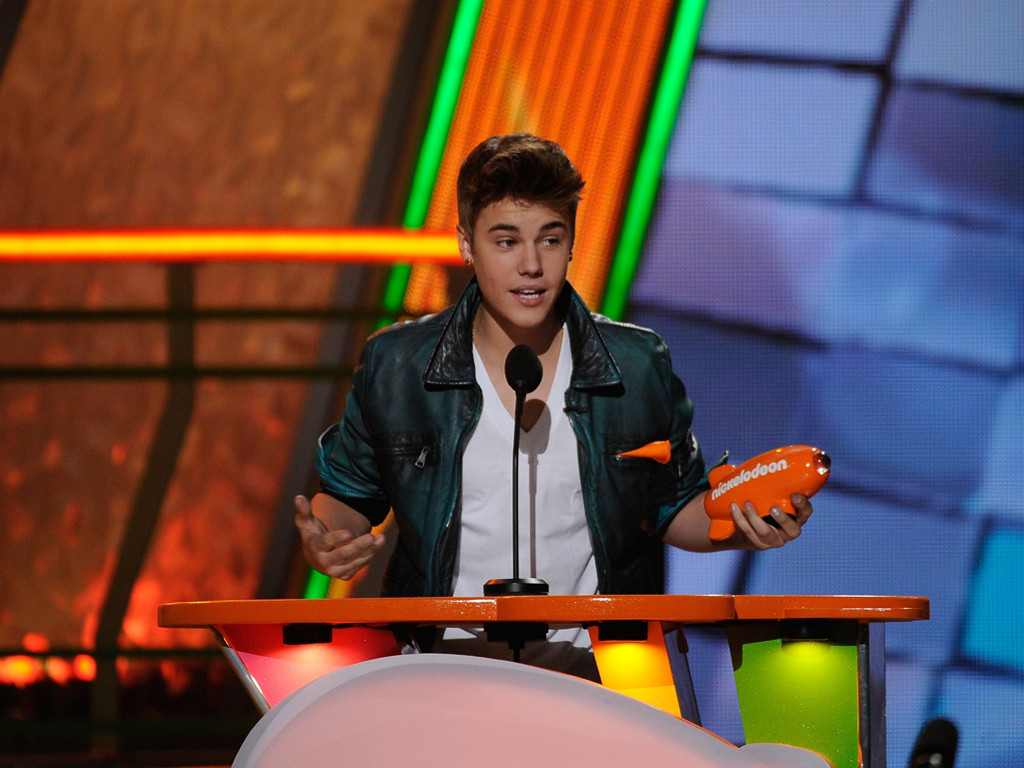Music Wallpaper: Justin Bieber - Nickelodeon