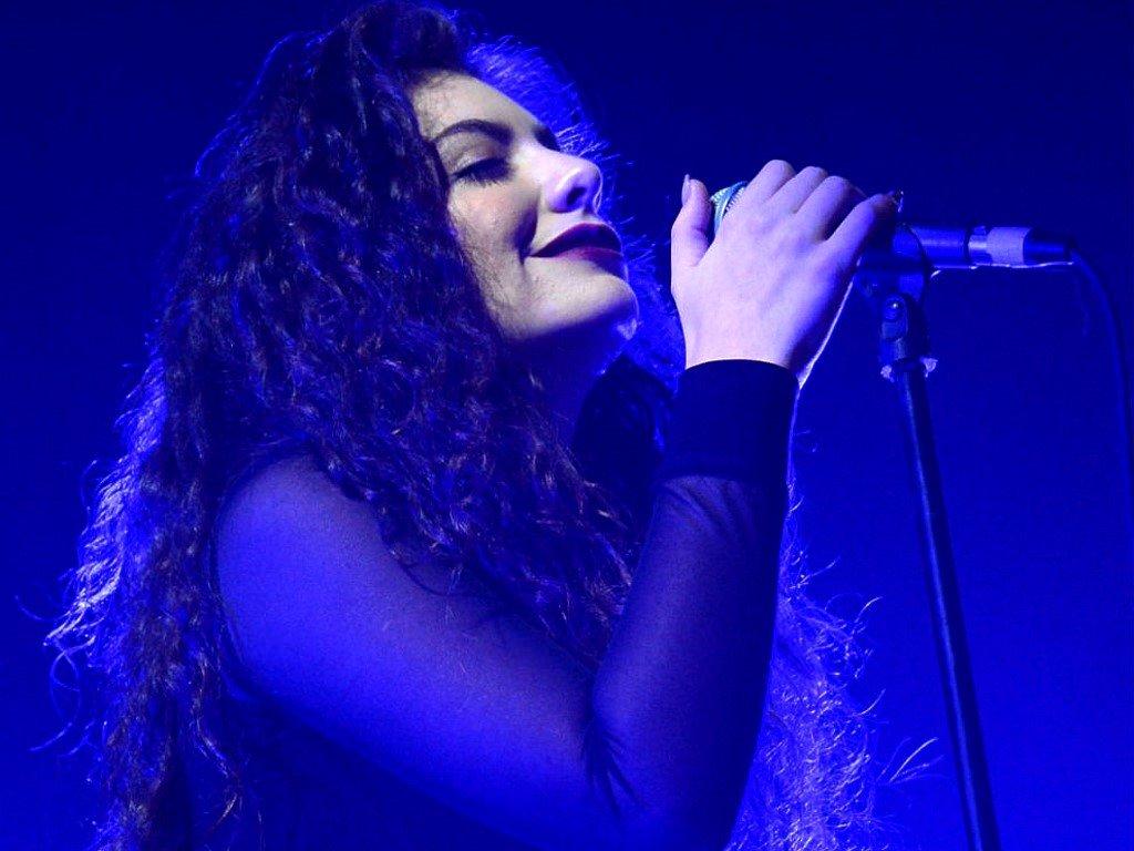 Music Wallpaper: Lorde