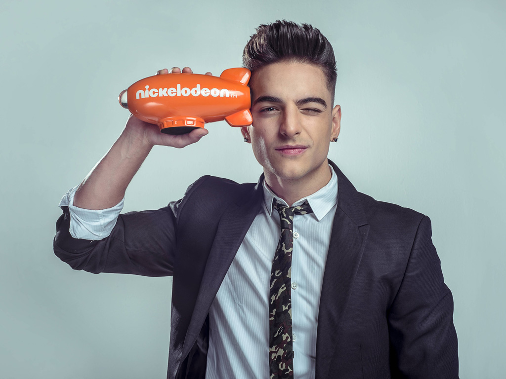 Music Wallpaper: Maluma - Nickelodeon