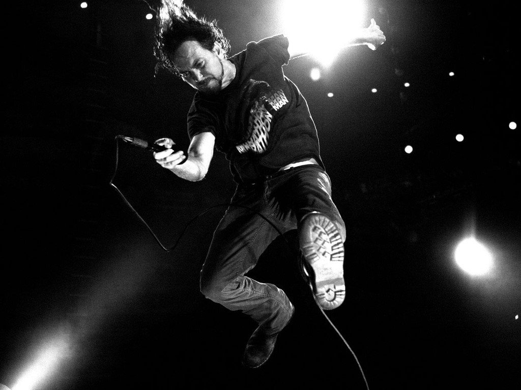 Music Wallpaper: Pearl Jam - Vedder