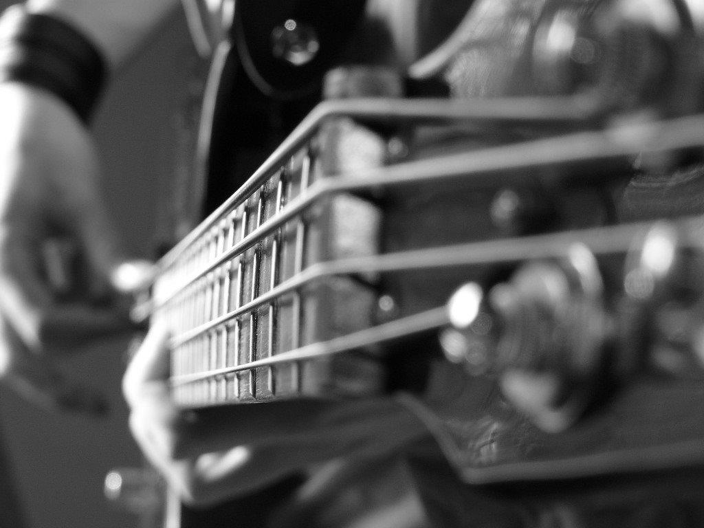 Music Wallpaper: Playing Bass