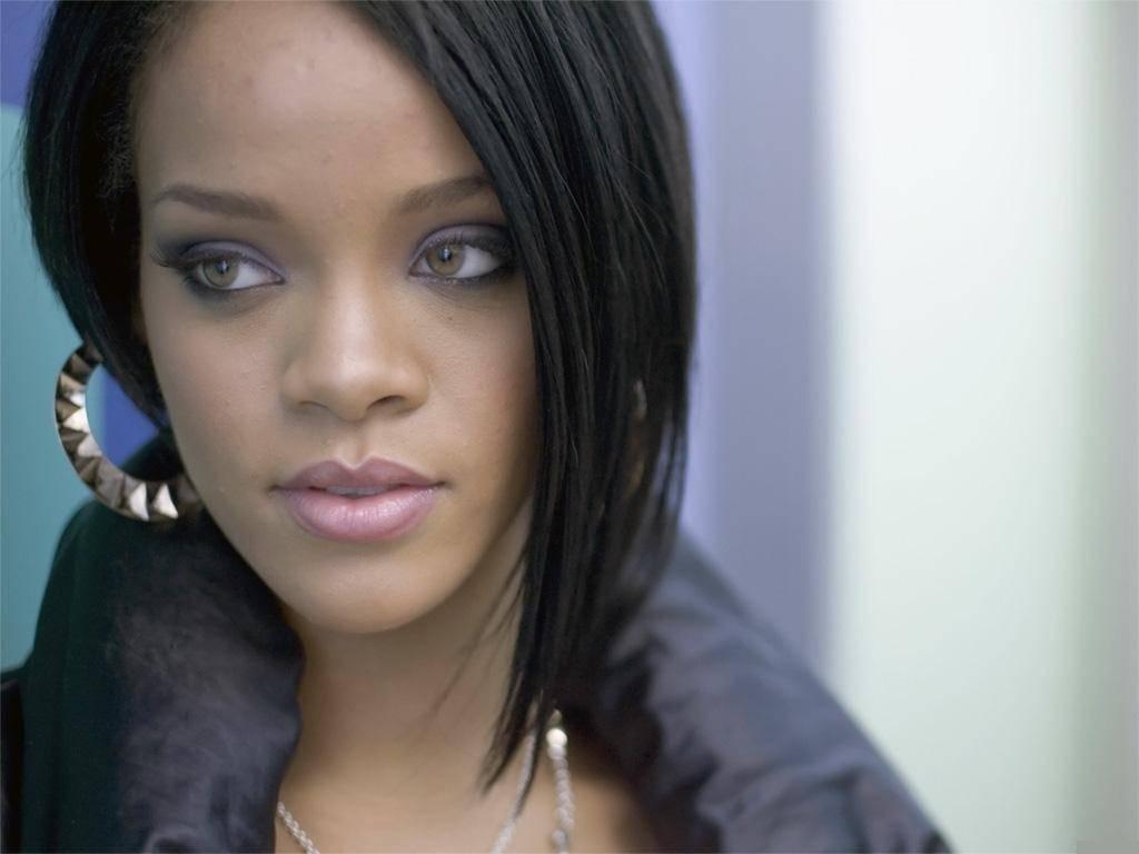 Music Wallpaper: Rihanna
