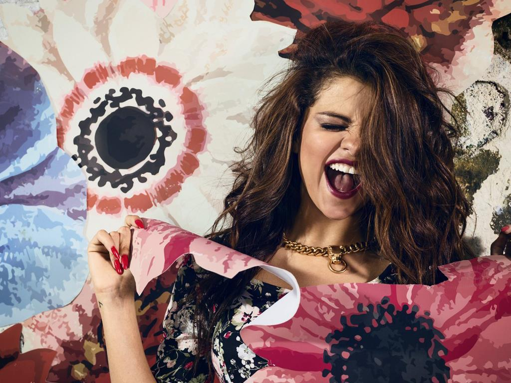 Music Wallpaper: Selena Gomez