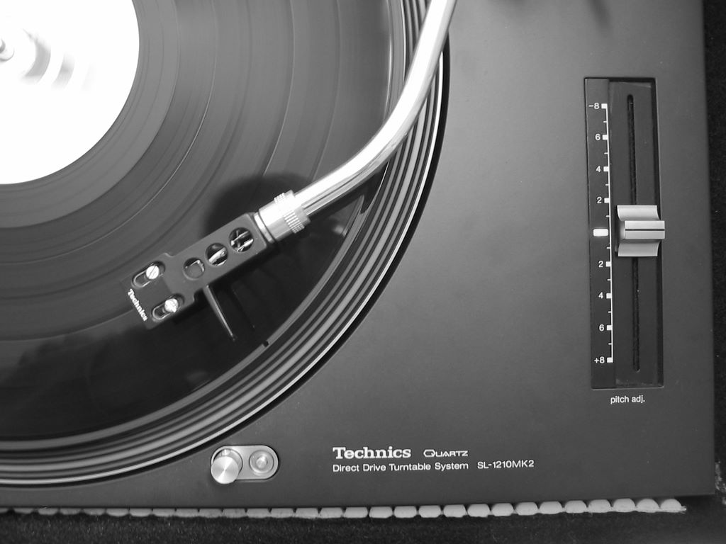 Music Wallpaper: Turntable Technics
