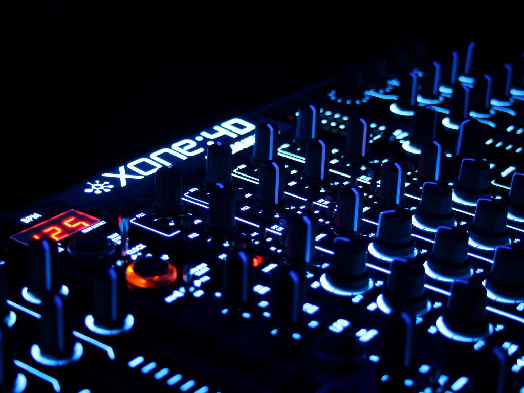 Music Wallpaper: Xone 4D Dance Mixer