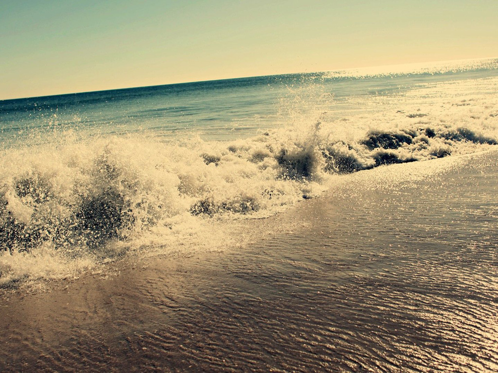 Nature Wallpaper: Beach - Waves