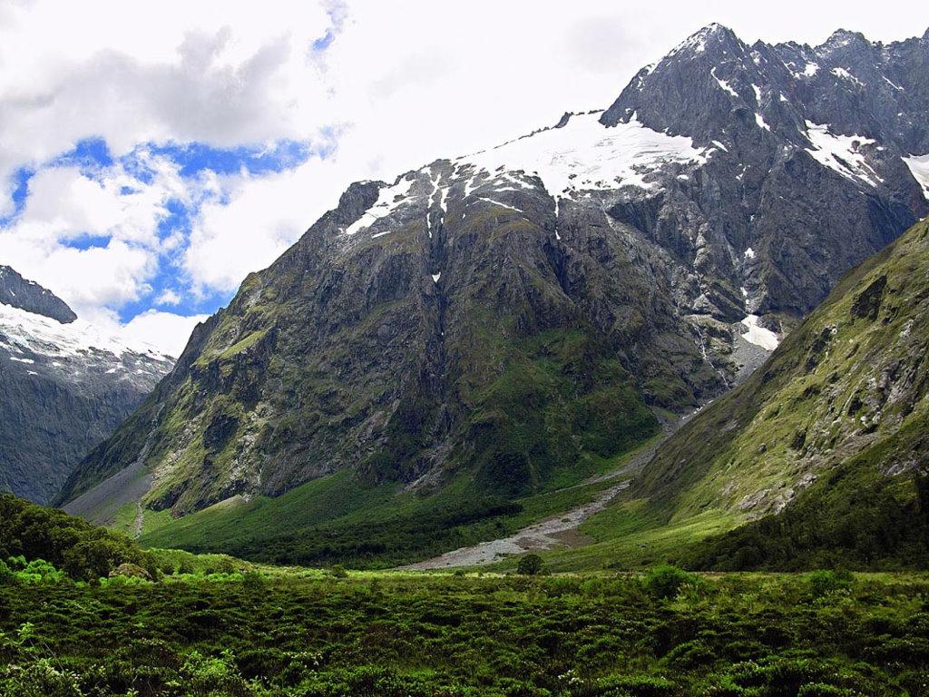 Nature Wallpaper: Mountain