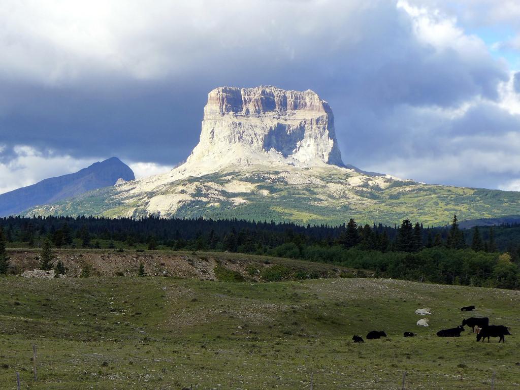 Nature Wallpaper: Chief Mountain - Montana