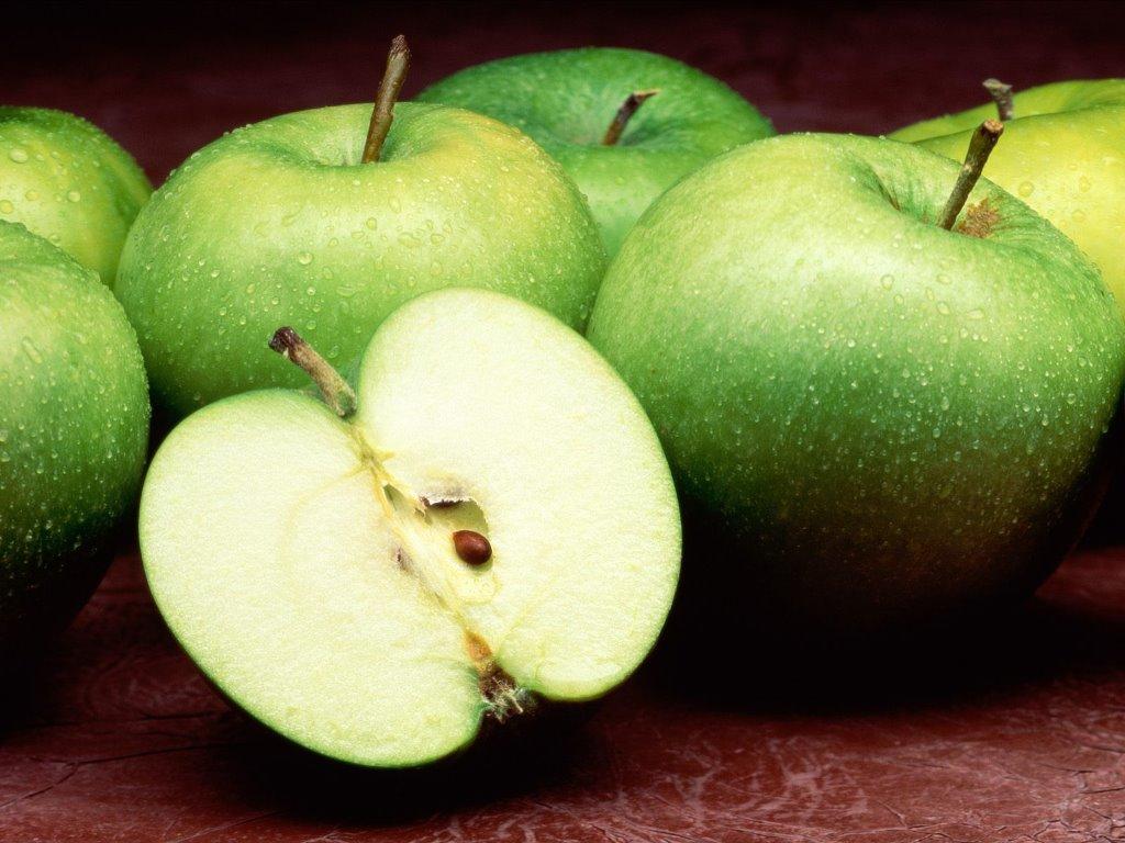 Nature Wallpaper: Green Apples