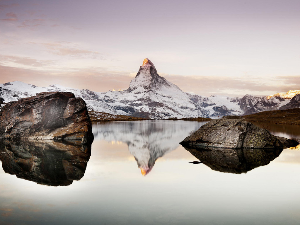 Nature Wallpaper: Lake and Mountain