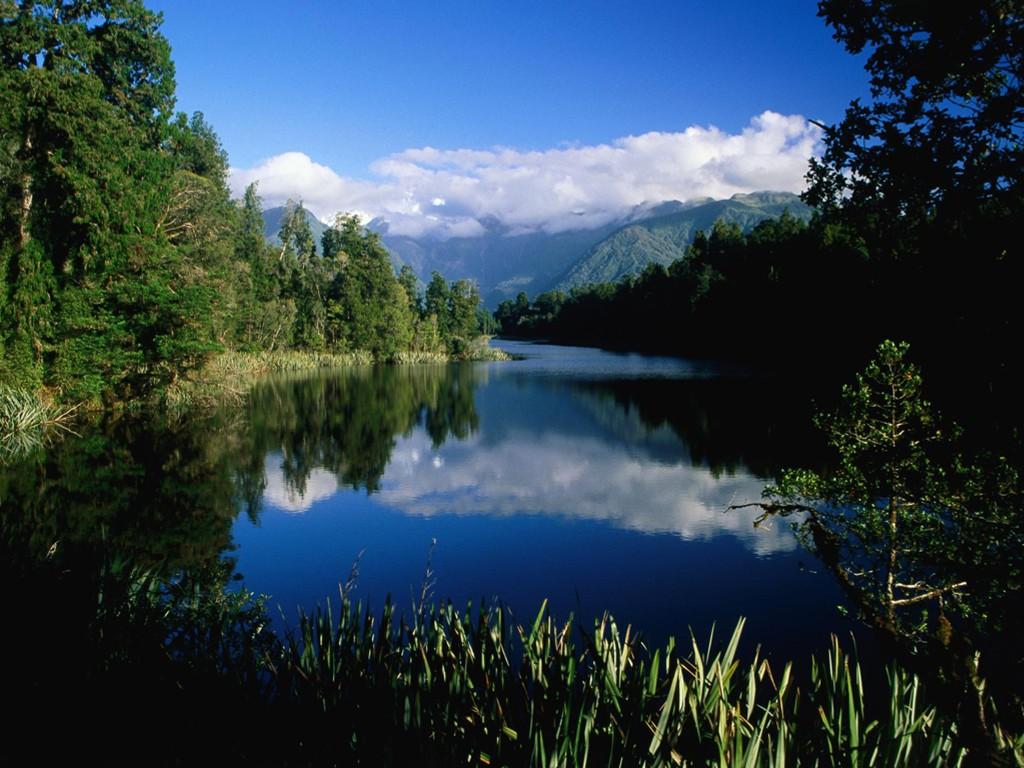 Nature Wallpaper: Lake Mathieson - New Zealand
