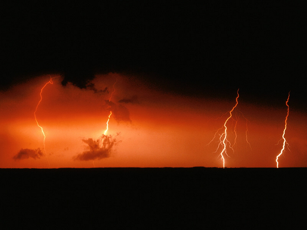 Nature Wallpaper: Lightning Bolts Over Chesap