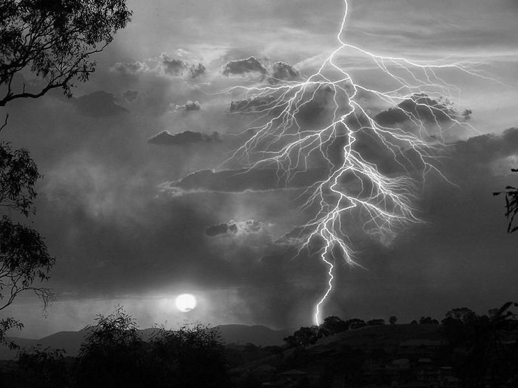 Nature Wallpaper: Lightning