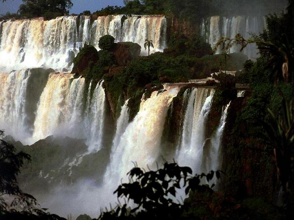 Nature Wallpaper: Many Waterfalls