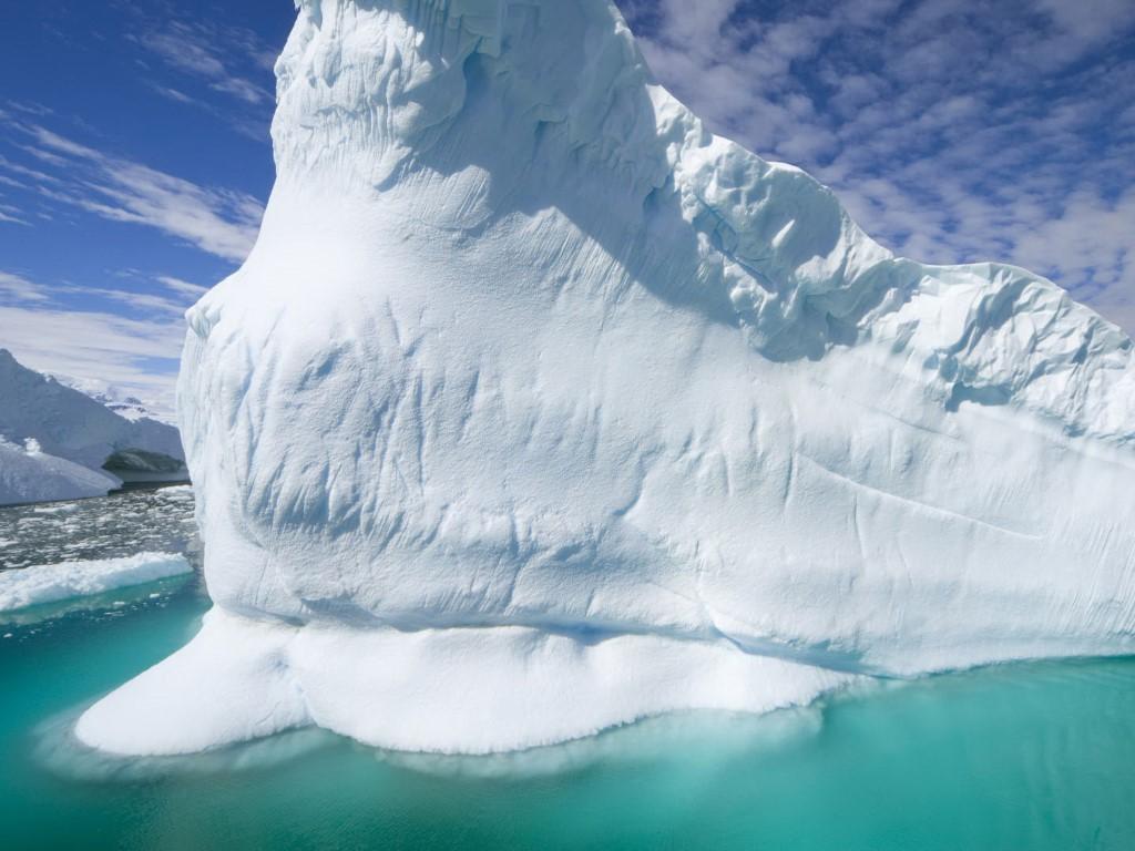 Nature Wallpaper: Iceberg