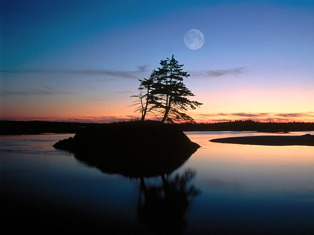 Nature Wallpaper: Moonrise Reflections