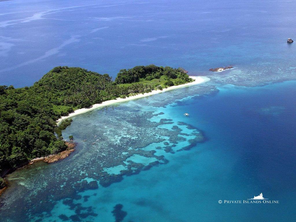Nature Wallpaper: Private Island