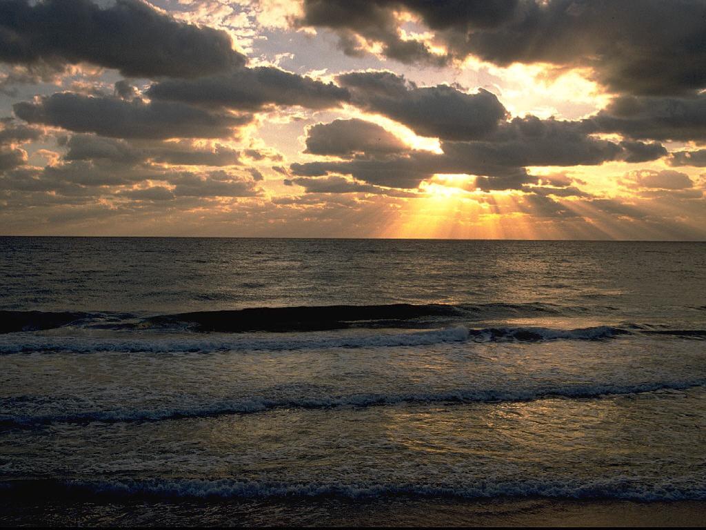 Nature Wallpaper: Sea Coast - Sunrays