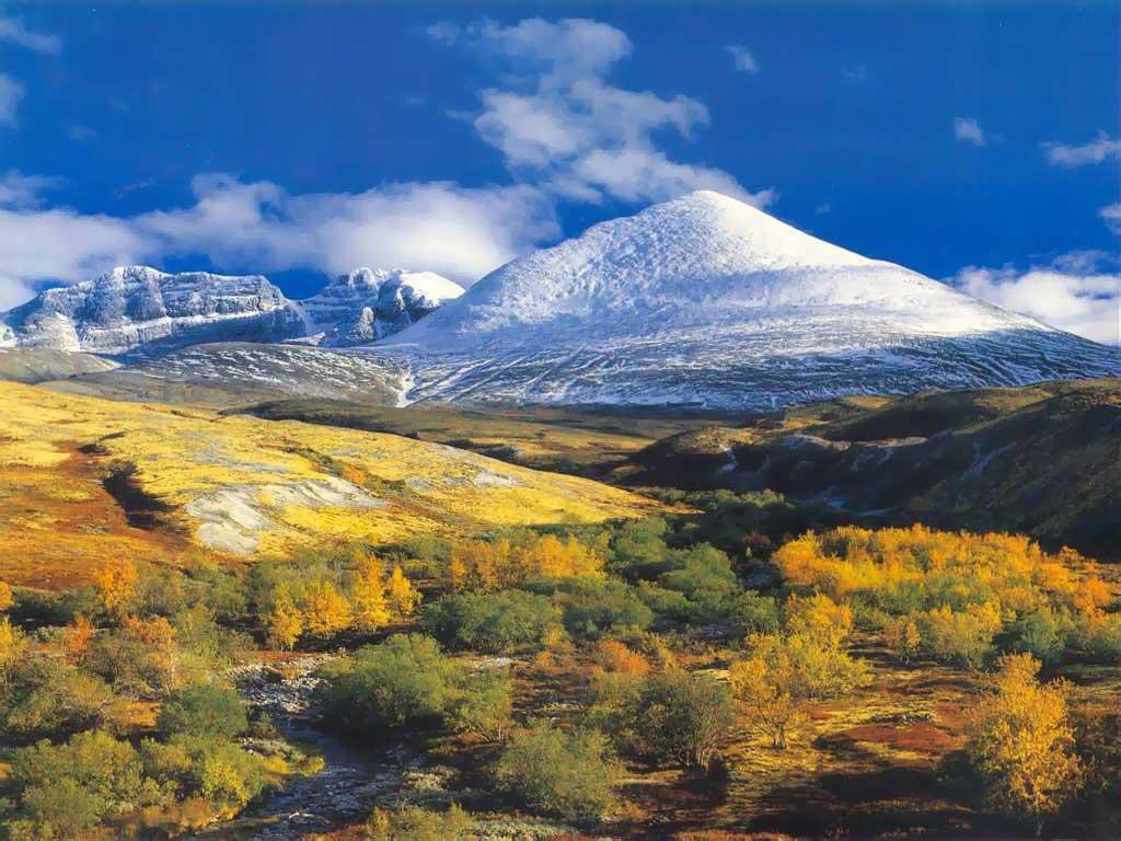 Papel de Parede Gratuito de Natureza : Montanhas da Primavera