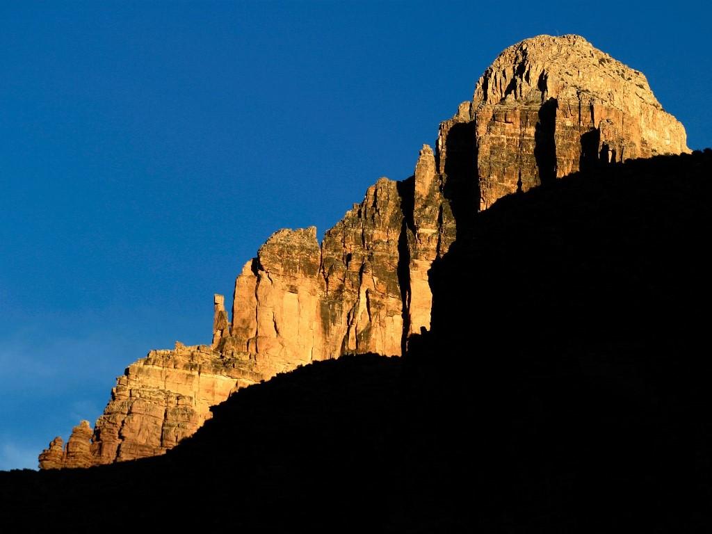 Nature Wallpaper: Sunset Light on Canyon Wall