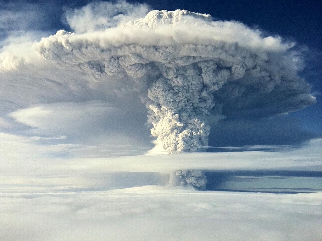 Nature Wallpaper: Volcano Cloud