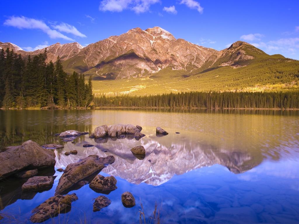 Nature Wallpaper: Windows 7 Official Wallpaper - Lake