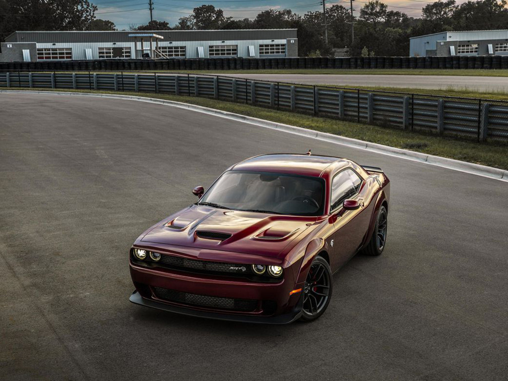 Vehicles Wallpaper: 2018 Dodge Challenger SRT Hellcat