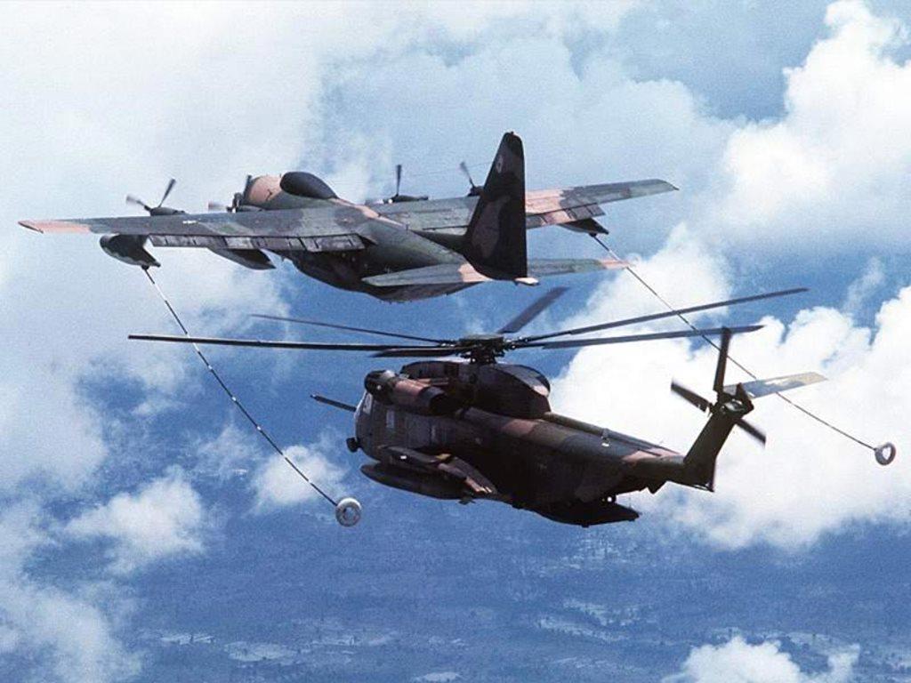 Vehicles Wallpaper: Aircraft Fueling