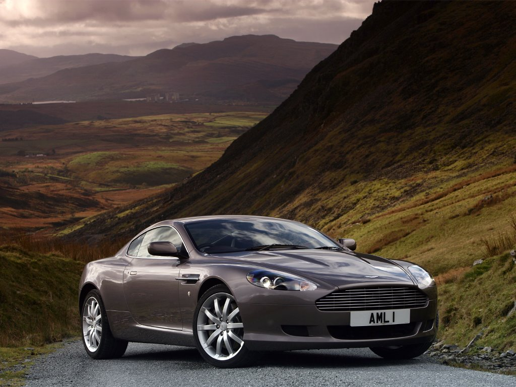 Vehicles Wallpaper: Aston Martin Coupe 2007