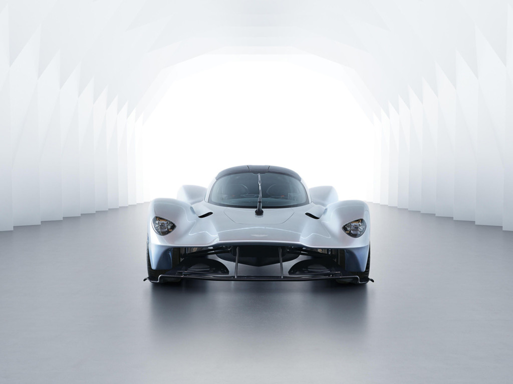 Vehicles Wallpaper: Aston Martin - Valkyrie