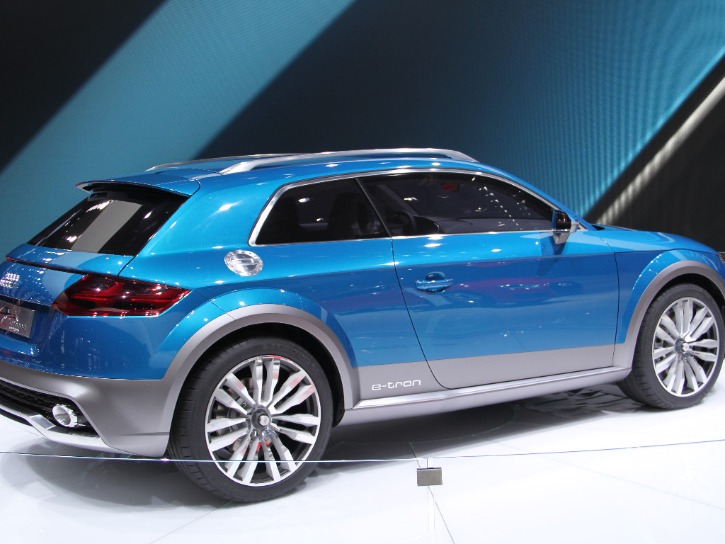 Vehicles Wallpaper: Audi e-tron
