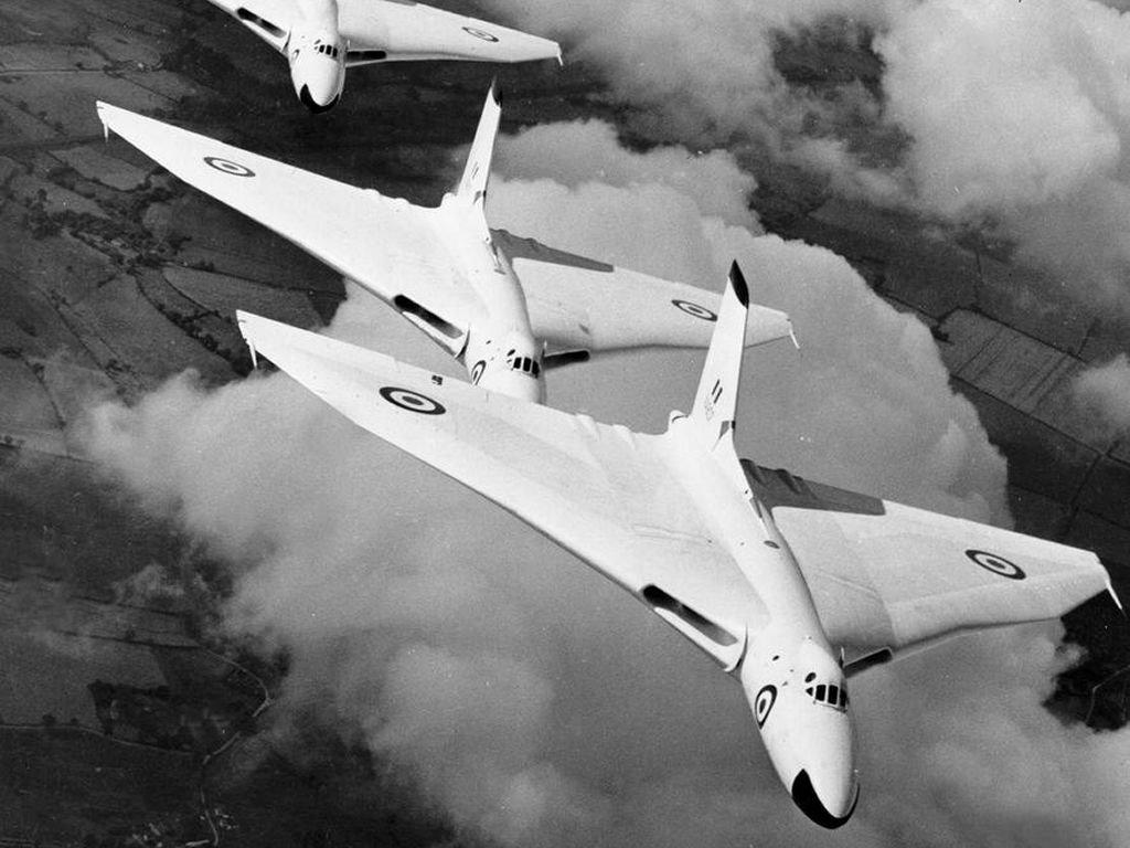 Vehicles Wallpaper: Avro Planes