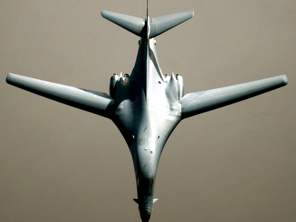 Vehicles Wallpaper: B-1 Bomber
