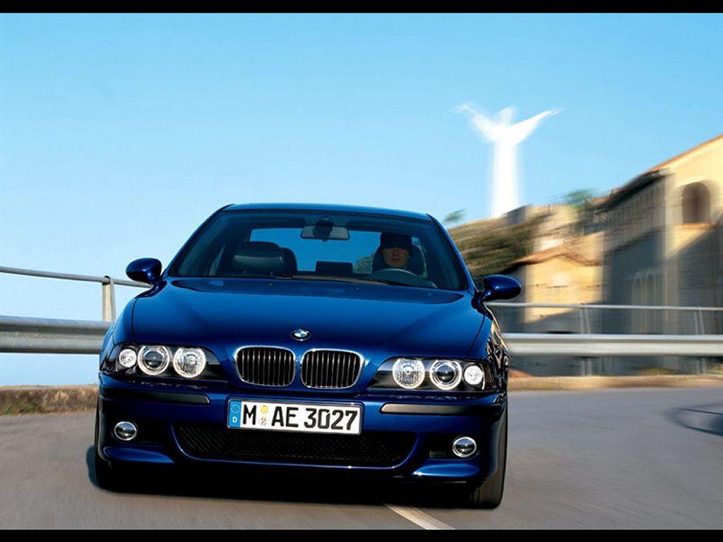 Vehicles Wallpaper: BMW-M5