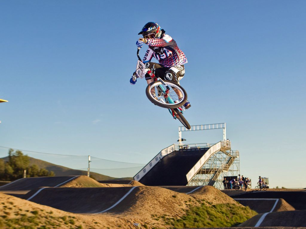 Vehicles Wallpaper: BMX - Air Style