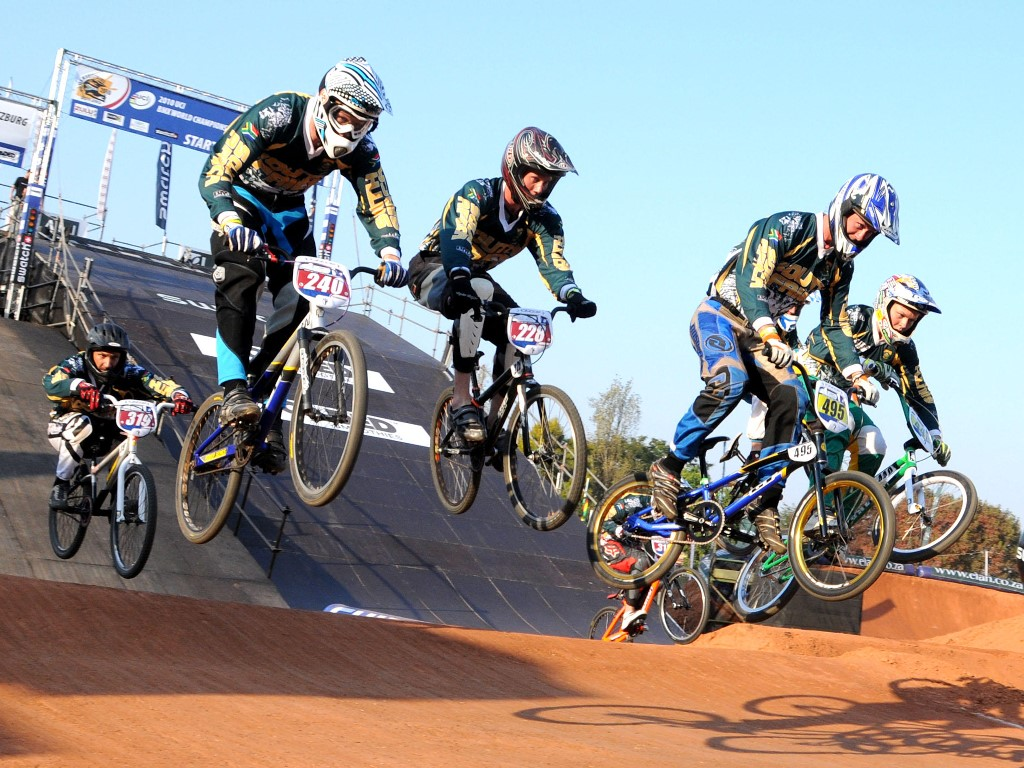 Vehicles Wallpaper: BMX - Racing