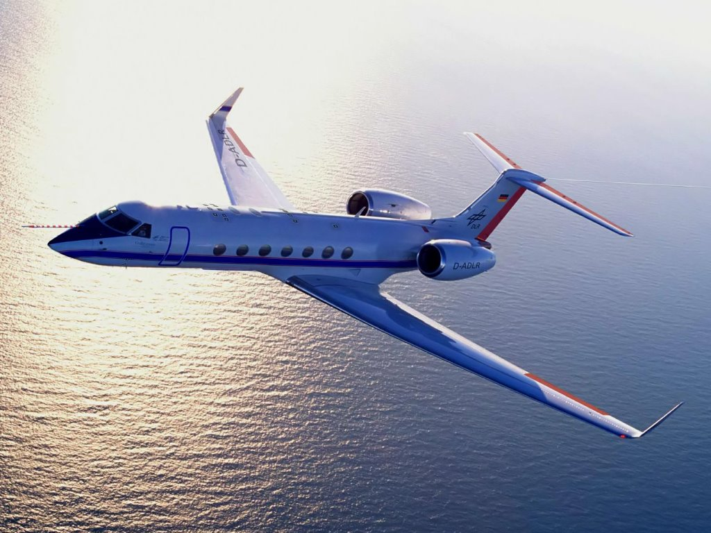 Vehicles Wallpaper: Bombardier Global 5000