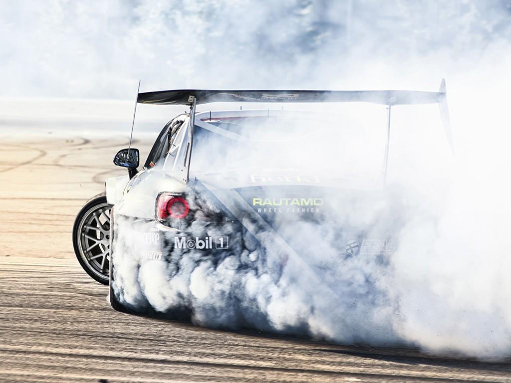 Vehicles Wallpaper: Burning Tires
