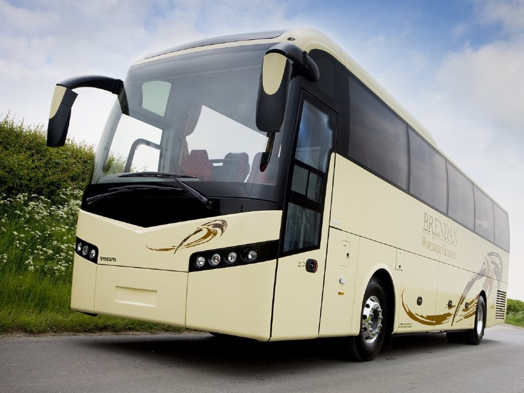 Vehicles Wallpaper: Bus - Volvo